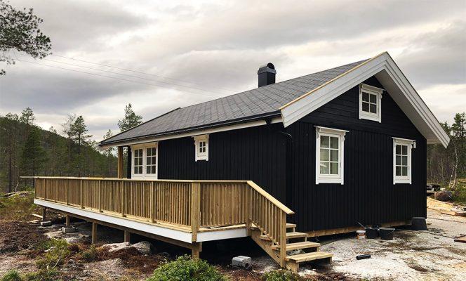 Bygge hytte er artig når du ser resultatet. Foto